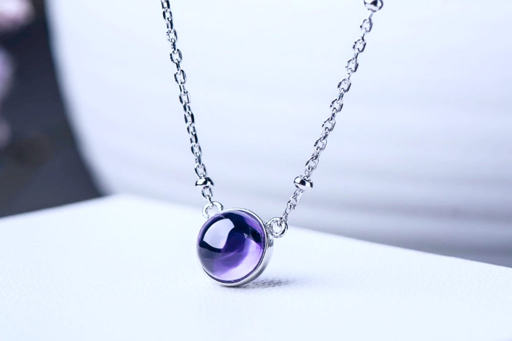 Choose this precious stone as a part of jewellery